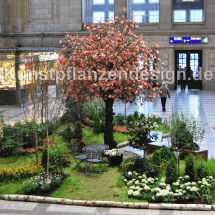 028_magnolienbaum_rosa_h_500cm_dm_350cm_in_fruehlingslandschaft